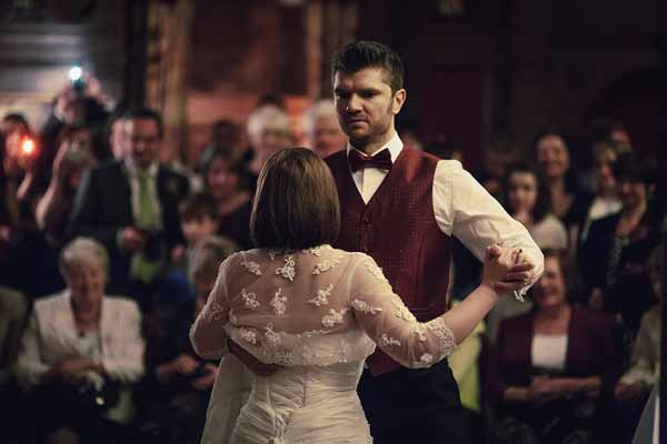 First-dance-thrumpton-hall